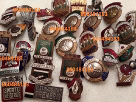 Perku ženkliukus, kolekcijas, apdovanojimus