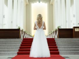 Vienintelė, dizainerės siūta vestuvinė suknelė!