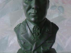 Erwin Rommel biustas.
