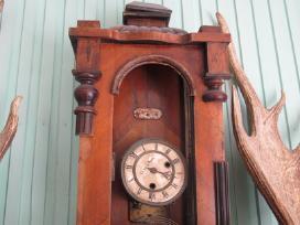 Sieniniai laikrodziai