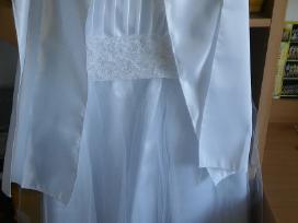 Nauja pirmosios komunijos suknele