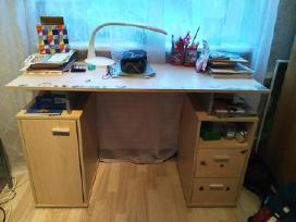Rasomasis stalas, tvarkingas, kaina- 29,99e.