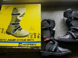 Daug motokrosinių batų