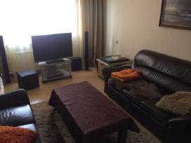 Parduodamas 3 kambarių su holu butas