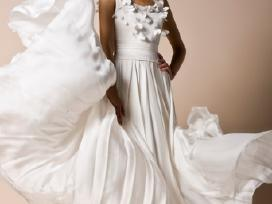 Nuostabi šilkinė Ramunės Piekautaitės suknelė