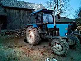 Perku žemės ūkio technika.
