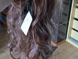 Naujas sintetinis rudas perukas