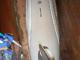 Burlentė_a la windsurfing board
