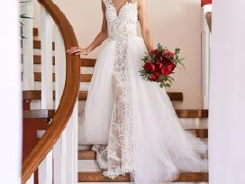 Nuostabi dviejų dalių vestuvinė suknelė