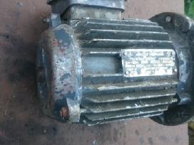 2 naudotus elektros variklius 0.37kw ir 0.27kw