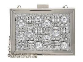 Aldo delnine su kristalais
