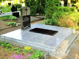 Kapaviečių tvarkymas. Darbai kapinėse