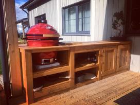 Kamado kepsninės stalas
