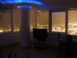 Panoraminis butas su vaizdu i jura 25 aukste