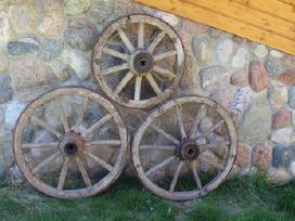 Senoviniai mediniai vezimo ratai