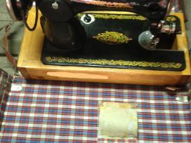Parduodamos senovinės siuvimo mašinos