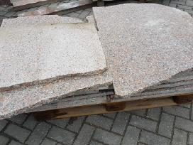 Natūralaus akmens - granito nuolaužos, nuopjovos