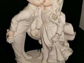 Guiseppe Armani statulele