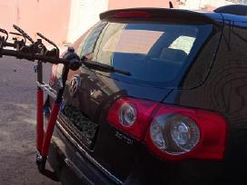 Parduodamas dviračių laikiklis trims dviračiams