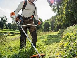 Krūmų pjovimas,žolės. Aplinkos tvarkymas.