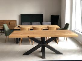 Ąžuolo masyvo stalas metalo kojos Moderna