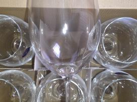 Naujos Vyno Taurės