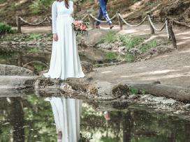 Rankų darbo vestuvinė suknelė Levau!