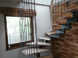 Laiptai, laiptų turėklai, balkonėliai, stogeliai