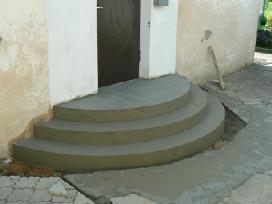 Betoniniai laiptai.