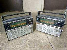 Du radijo imtuvai Vef 202