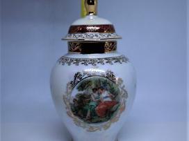 Vaza porcelianinė su dangteliu