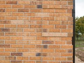 Klinkerio - apdailos mūras ir klijavimas.