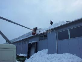 Sniego valymas nuo stogu