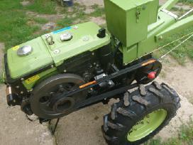 Nauji dyzeliniai motoblokai Zubr