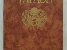 Knyga Faraonas Rusu kalba
