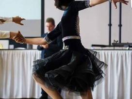 Sportinių šokių sukneles