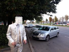 Vestuvinis kostiumas