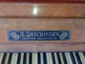 Senas art deco pianinas