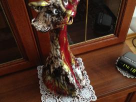 Dekoratyvinis spalvotos keramikos katinas