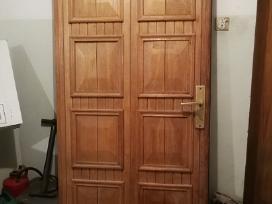 Ąžuolinės lauko durys.
