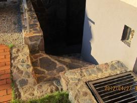 Akmeniniai laiptai ir prieduobė