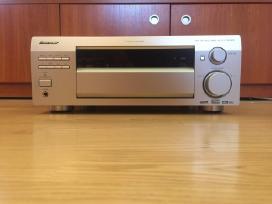 Pioneer Vsx-d712 stiprintuvas su radija