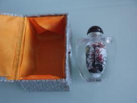 Vintažinis Kiniškas buteliukas su tapyba viduje