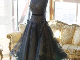 Standarto ir lotynų suknelės