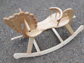 Rankų darbo medinis supamas arkliukas