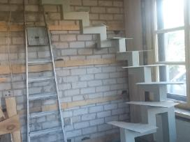 Metaliniai laiptai ir tureklai