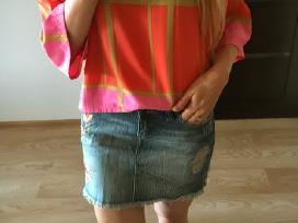Plėšytas džinsinis sijonas