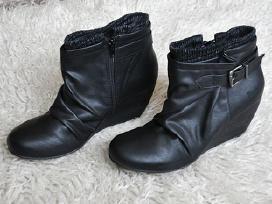 Nauji moteriški juodi auliniai batai platformos 41
