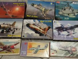 Plastmasiniai 1:72 mastelio lėktuvų modeliai