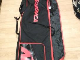 Kelioninis krepšys su ratukais slidinėjimo įrangai